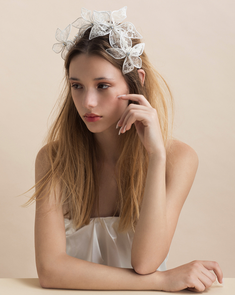 N°4 'Breathe Me' Lace Luxury Headpiece