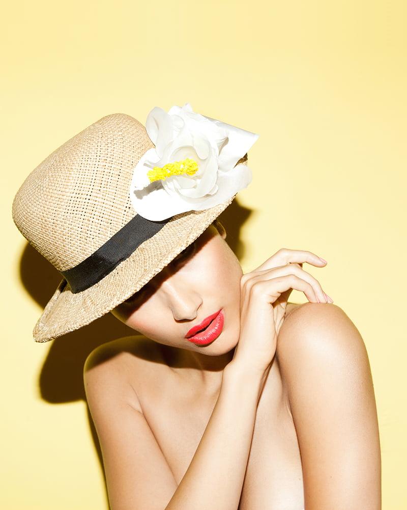 White 'Hibiscus Lei' hat