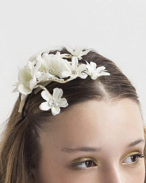 detail: 'Petite Flower Bunch' headpiece by Tami Bar-Lev