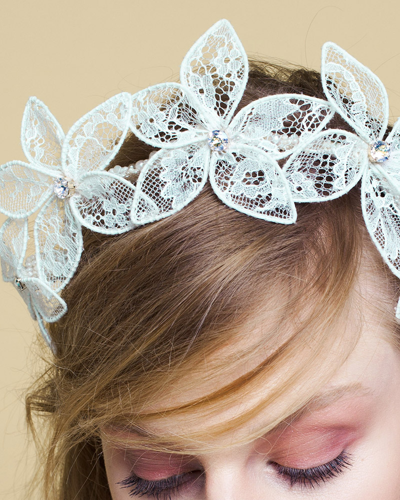 Lacy Pearls bridal headdress