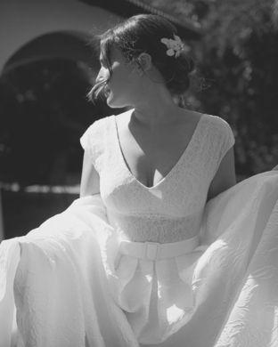 real wedding real bride- Bridal Headpiece bridal headpiece by Tami Bar-lev dress by Lihi Hod